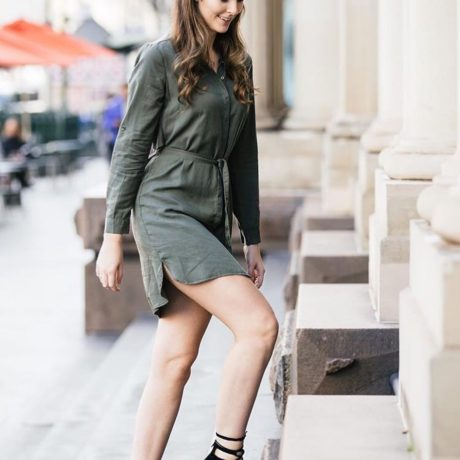 We see you @carly.gordon! Be snapped by our street style photographer this Friday at #VFNO & your next drink is on us! Link in bio☝🏽 . . . #fashion #fashionstyle #melbourne #melbournefashion #style #instyle #instastyle #trending #instadaily #instafashion #instagood #photooftheday #streetstyle